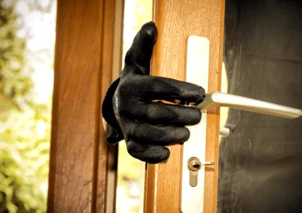 con estas medidas evitaras robos en chalets y casas